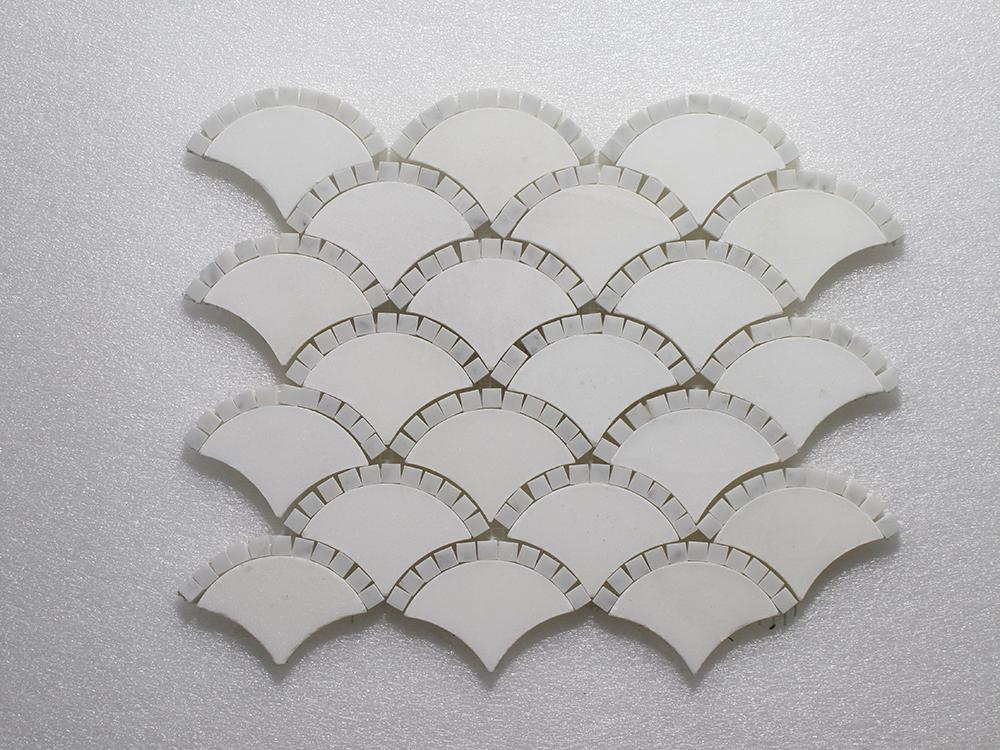 "WJ 515 Scaglie-Pure White H.& Carrara P. 12.75"" x 11"" Image"